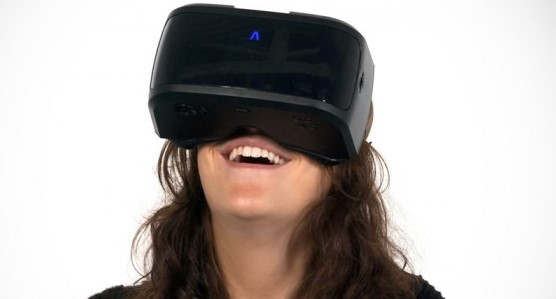 Experience virtual reality with AuraVisor